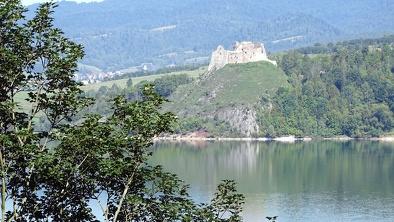 Niedzica - ruiny zamku w Czorsztynie