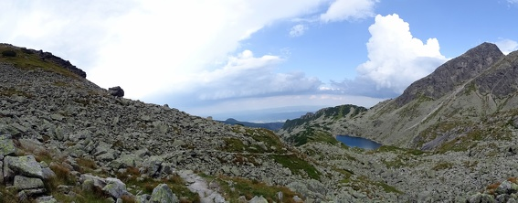 Zejście szlakiem z Przełęczy Świnickiej